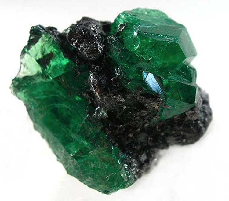 Tsavorite's Name Honors the Kenya-Tanzania Border Region Where It Was Discovered